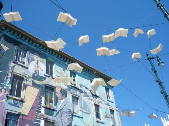 5 Street-art-Flying-Books-540x405