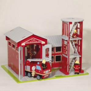 wooden toys_firestation