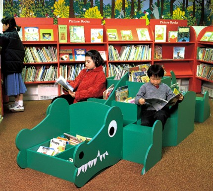 4020 Book Browser - Crocodile Book Storage