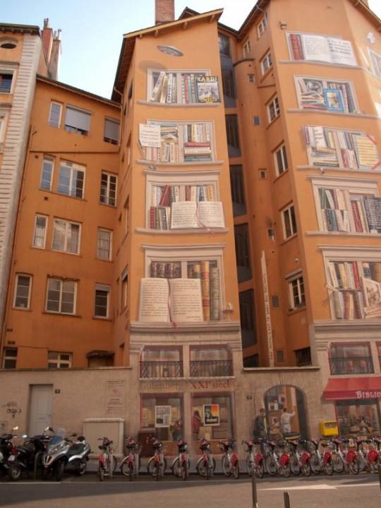 2 Street-art-La-Biblioteque-De-La-Cite-540x720